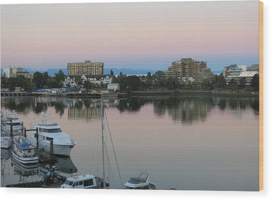 Victoria Harbor Dawn Wood Print