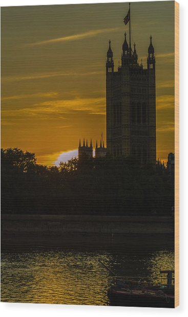Victoria Tower In London Golden Hour Wood Print
