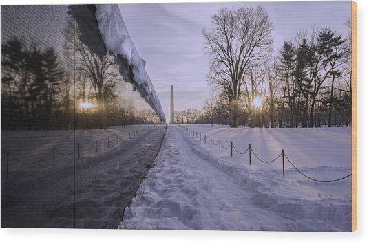 Vietnam Vetrans Memorial In Snow Wood Print by Michael Donahue