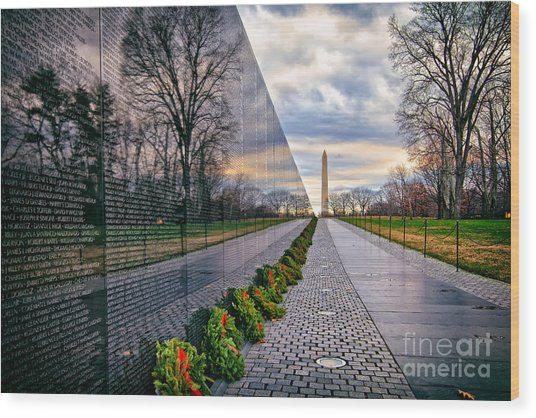 Vietnam War Memorial, Washington, Dc, Usa Wood Print