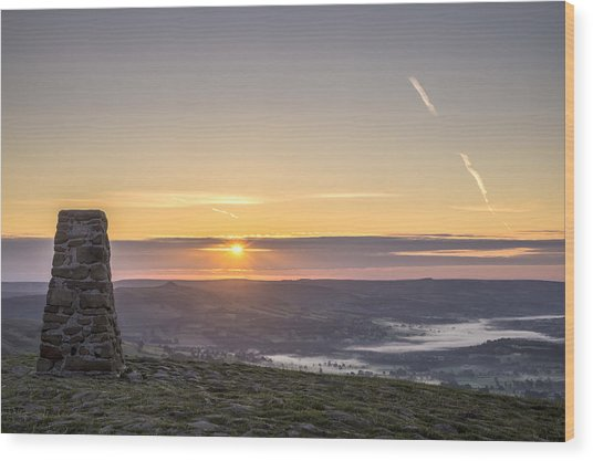 View Over The Hope Valley From Mam Tor At Dawn Wood Print