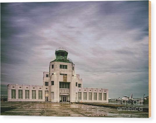 Vintage Architectural Photograph Of The 1940 Air Terminual Museum - Hobby Airport Houston Texas Wood Print