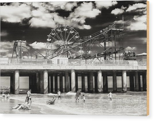 Vintage Steel Pier At Atlantic City Wood Print