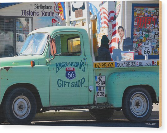 Vintage Truck With Elvis On Historic Route 66 Wood Print