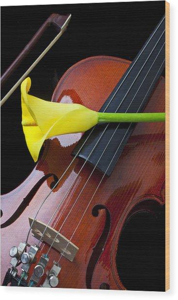Violin With Yellow Calla Lily Wood Print