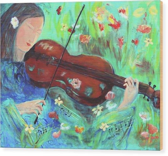 Violinist In Garden Wood Print