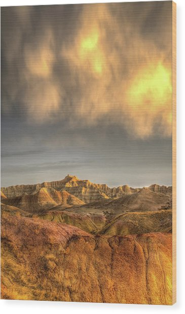 Virga Over The Badlands Wood Print