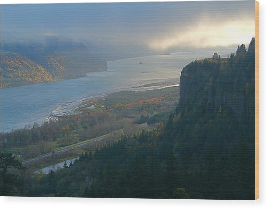 Vista House At Crown Point Wood Print