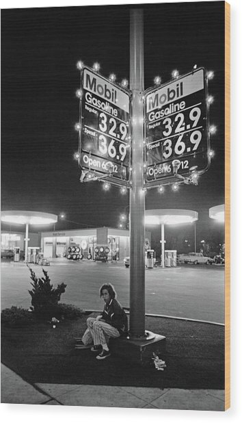 Vn Blvd.-073-34 Mobil Gasoline Sign Wood Print by Richard McCloskey
