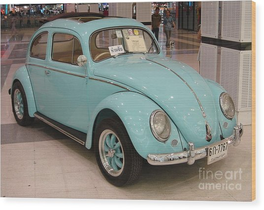 Vw Beetle Wood Print by Mike Holloway