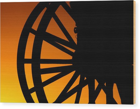 Wagon Wheel Sunset Wood Print