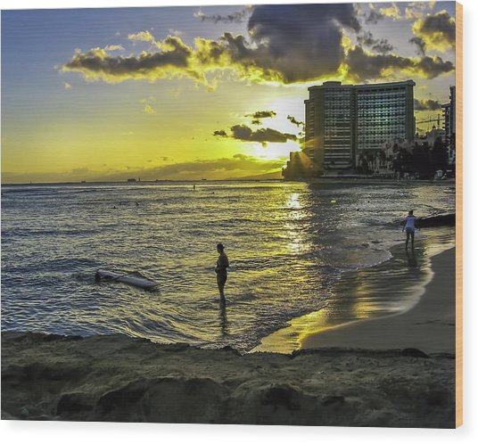 Waikiki Beach At Sunset Wood Print
