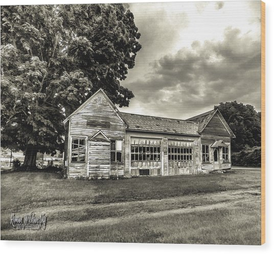 Walholding Post Office Wood Print