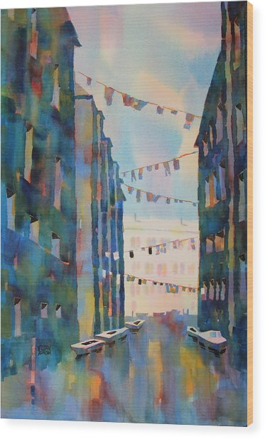 Wash Day In Venice Italy Wood Print