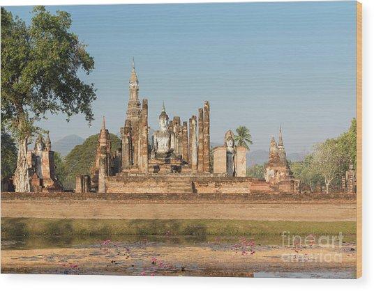 Wat Mahatat, Sukhothai Historical Park, Sukhothai, Thailand Wood Print by Roberto Morgenthaler
