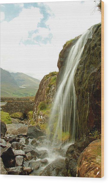 Waterfall At The Conor Pass Wood Print