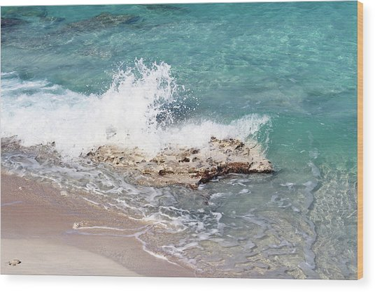 Gentle Wave In Bimini Wood Print
