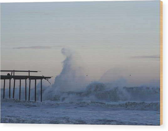 Wave Towers Over Oc Fishing Pier Wood Print