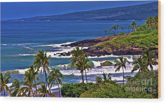 Waves Breaking At Hapuna Beach Wood Print