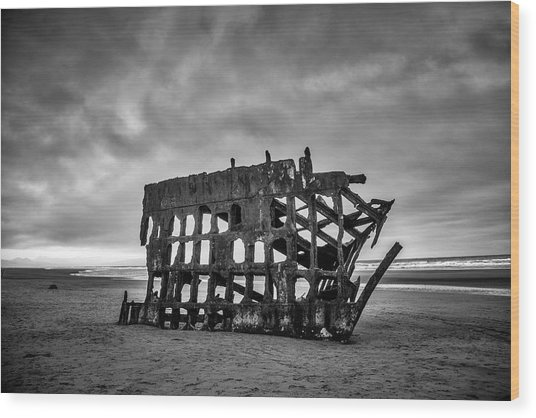 Weathered Rusting Shipwreck In Black And White Wood Print