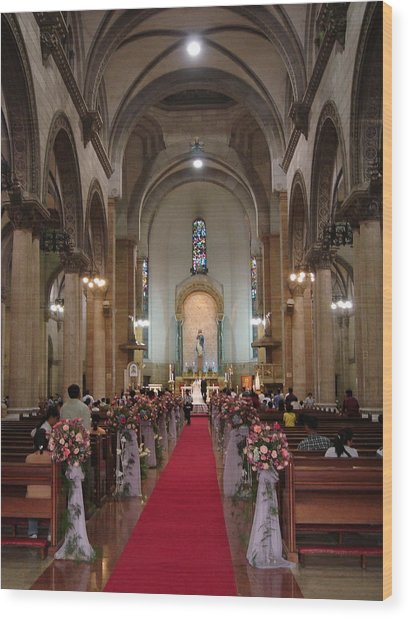 Wedding In Manila Cathedral Wood Print by Mike Holloway