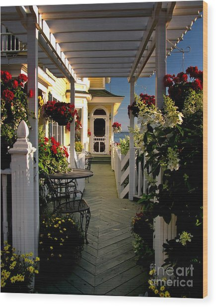 Welcome To Bay View Inn On Mackinac Island Wood Print