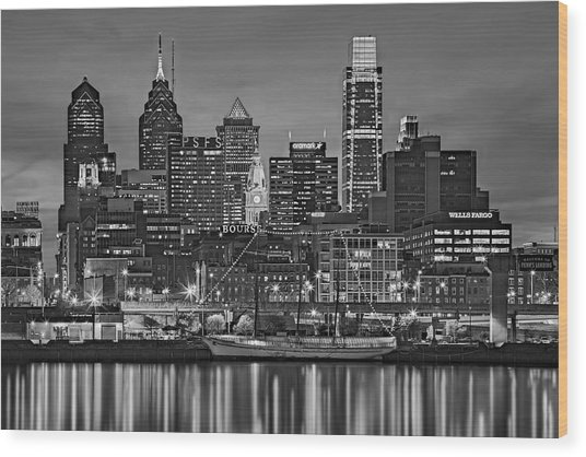 Welcome To Penn's Landing Bw Wood Print