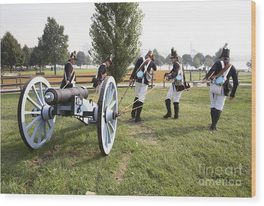 Wheeling The Cannon At Fort Mchenry In Baltimore Maryland Wood Print