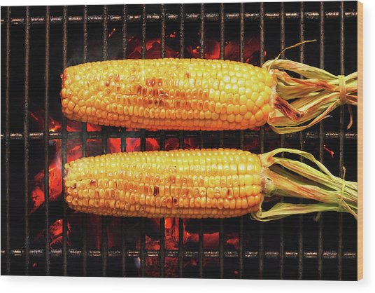 Whole Corn On Grill Wood Print