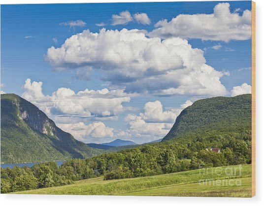 Willoughby Gap Cloudscape Wood Print