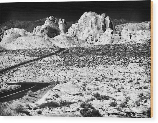 Winding In The Desert Wood Print by John Rizzuto