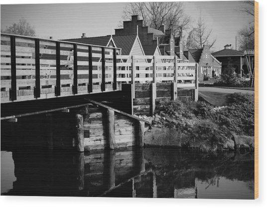 Windmill Island Garden Bridge Wood Print