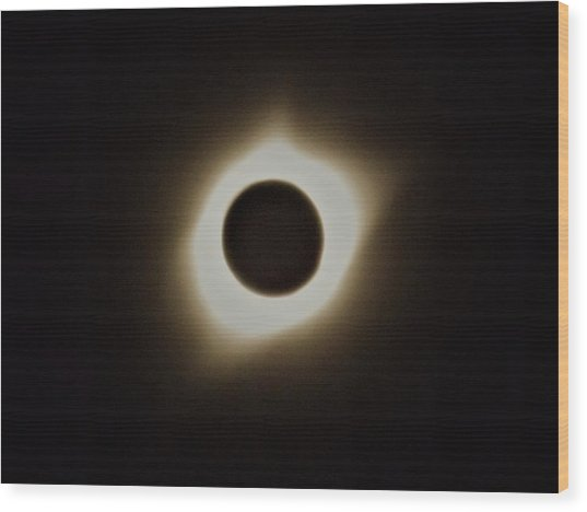 Windy Corona During Eclipse Wood Print