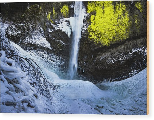 Winter At Latourell Falls Wood Print