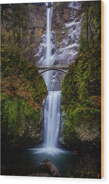Winter At Multnomah Falls 2 Wood Print