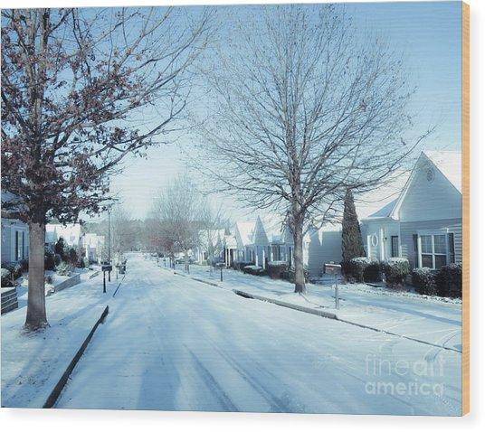 Wintry Snow Fall - Georgia Wood Print