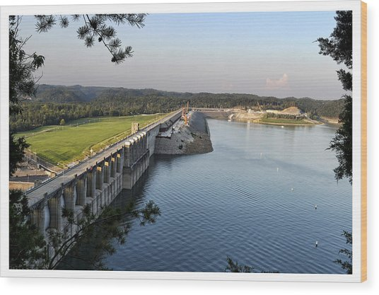 Wolf Creek Dam Wood Print