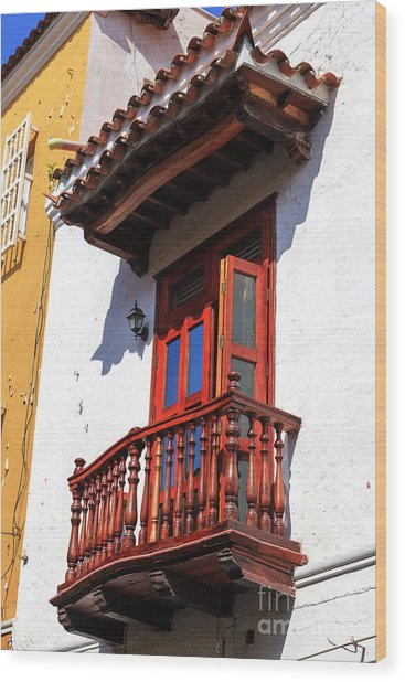 Wood Balcony In Cartagena Wood Print by John Rizzuto