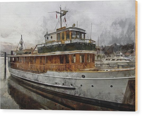 Yacht M V Discovery Wood Print