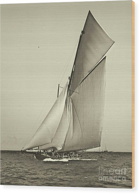 Yacht Shamrock Racing Americas Cup 1899 Wood Print