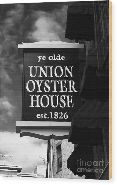 ye olde Union Oyster House Wood Print by John Rizzuto