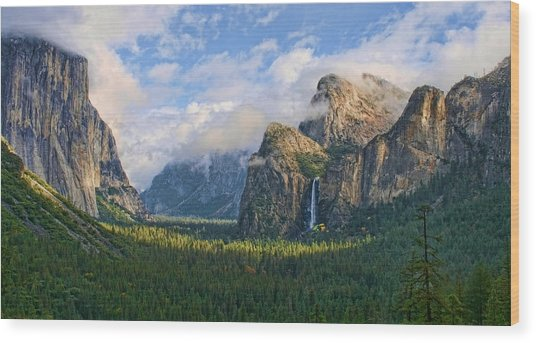 Yosemite Tunnel View Wood Print by Tom Kidd