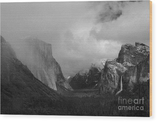 Yosemite Valley Wood Print by Richard Verkuyl