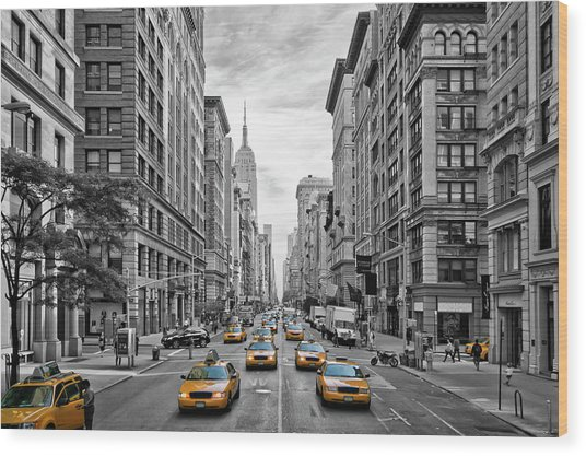 5th Avenue Nyc Traffic Wood Print