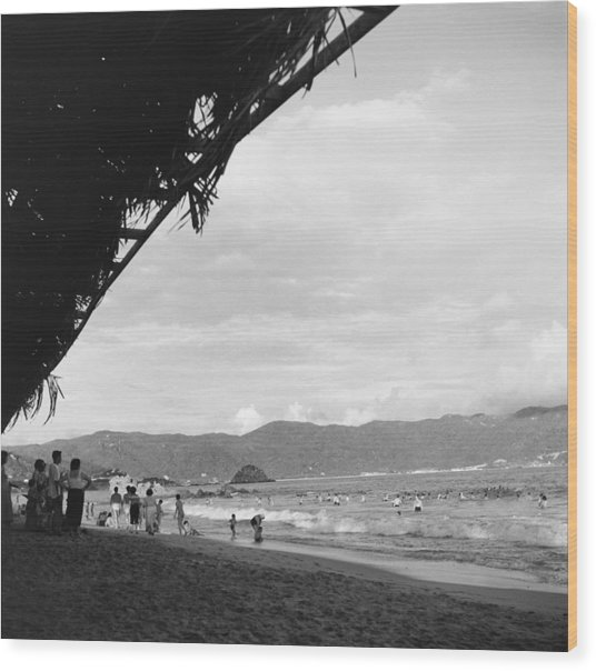 Acapulco, Mexico Wood Print by Michael Ochs Archives