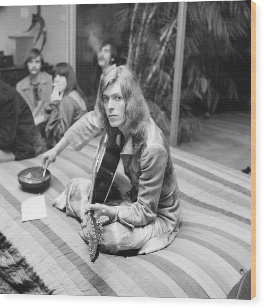 David Bowie At Bingeheimer Party Wood Print by Michael Ochs Archives