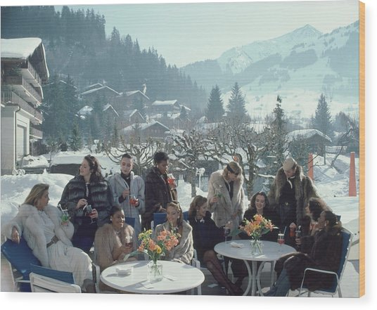 Drinks At Gstaad Wood Print