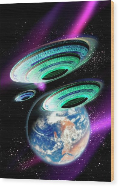 Flying Saucers Invading Earth, Artwork Wood Print by Victor Habbick Visions
