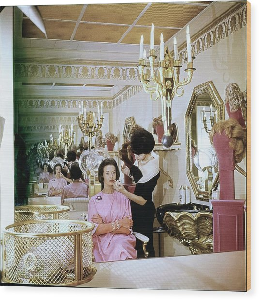Gloria Vanderbilt At The House Of Revlon Wood Print by Horst P. Horst