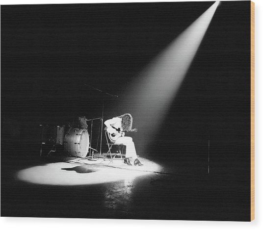 Led Zeppelin Performs In 1972 Wood Print
